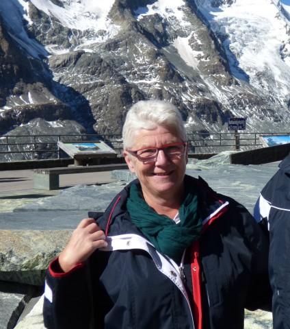 Ich heiße Rita G., bin 57 Jahre alt und habe vor kurzer Zeit von Prof. Kälble im Klinikum Fulda einen Mainz-Pouch I (Mainz = mixed augmentation ileum and zecum) erhalten. Seitdem bin ich auch Mitglied der Blasenkrebsselbsthilfegruppe Fulda und Mitglied im Selbsthilfebund Blasenkrebs e.V.